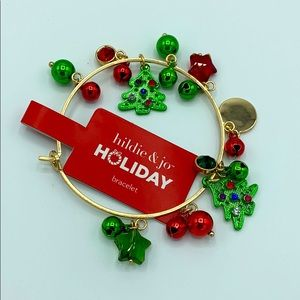 Holiday bracelet this is well done, beautiful!